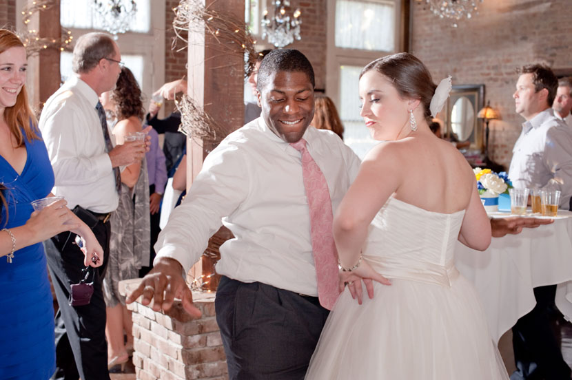 guest and bride dancing wedding photographer