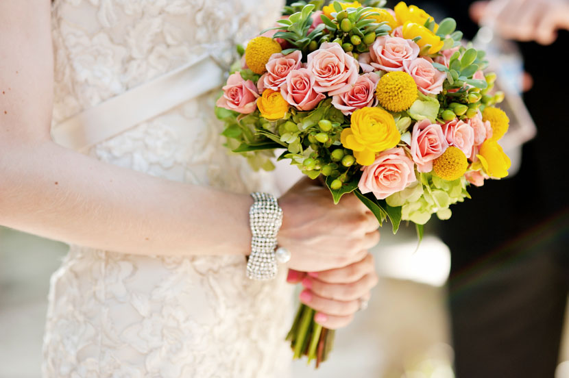 modern rose wedding bouquet for the bride