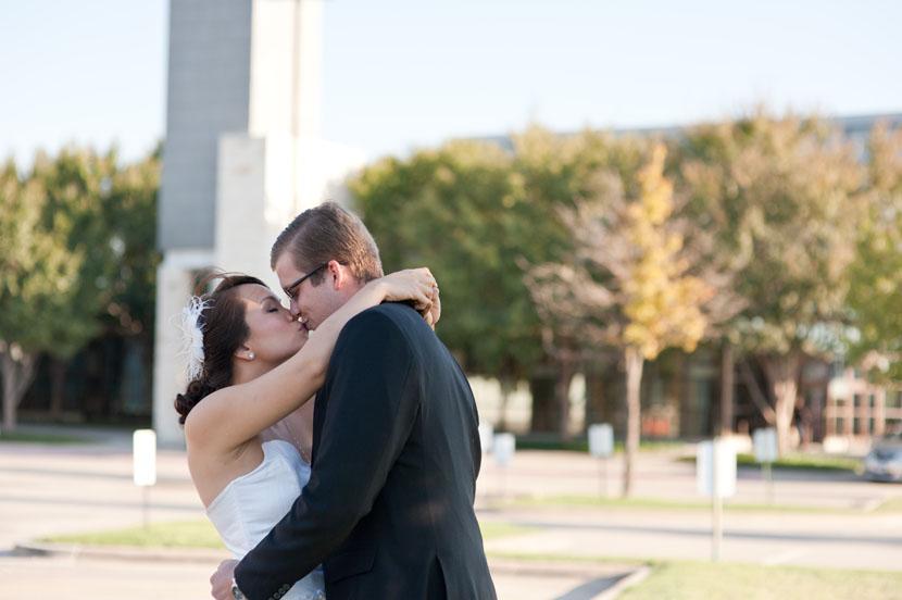 bride groom first look kiss austin wedding photography