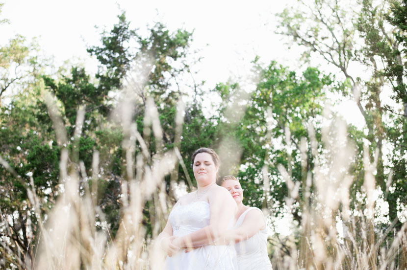 shoot-through reeds for interesting wedding portrait