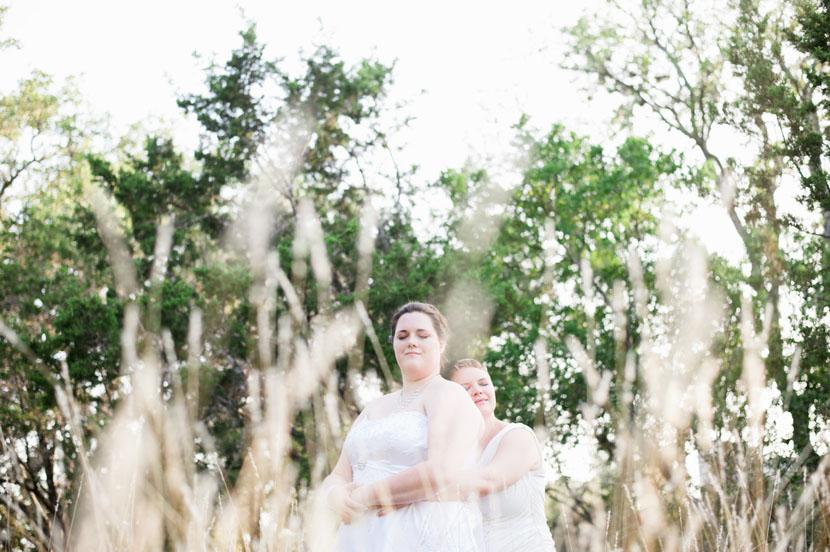 shoot-through reeds for interesting wedding portrait