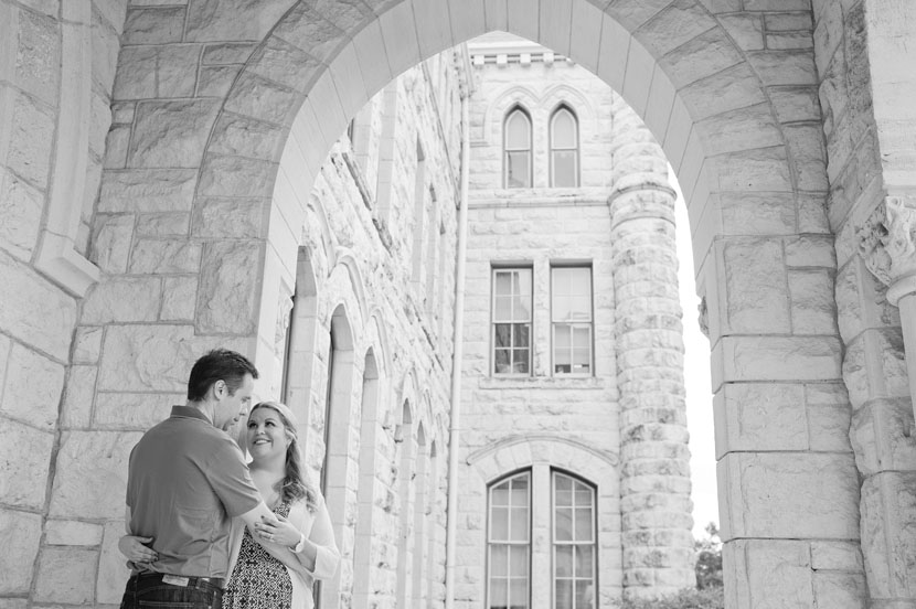 engagement pictures at st edwards university