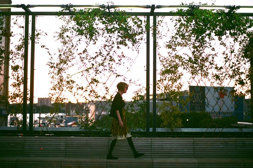 girl walking on the high line nyc