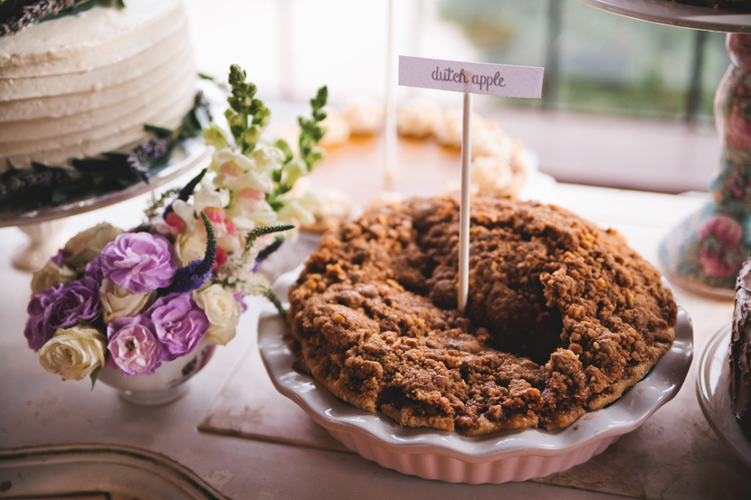 Pies instead of wedding cake // Elissa R Photography