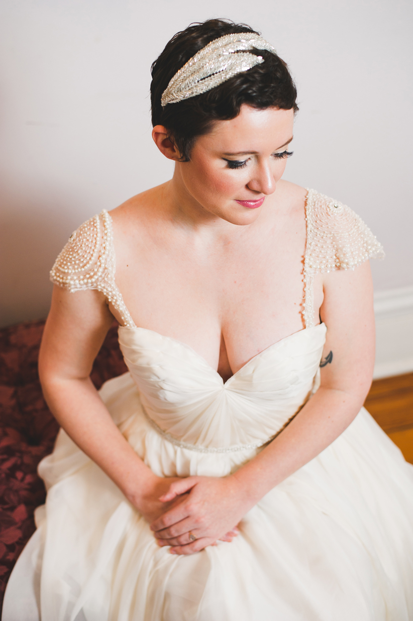 Short haired bride in Sarah Seven dress // Elissa R Photography