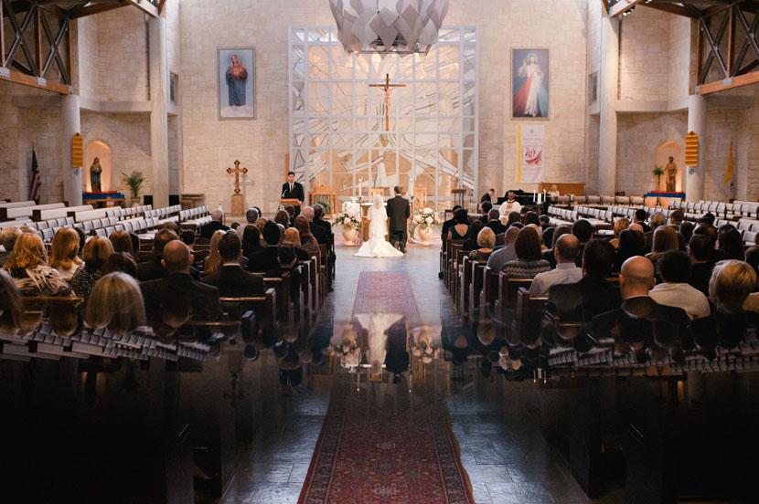 Beautiful church wedding photo // Elissa R Photography