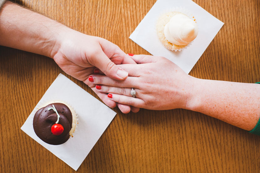 Wedding cupcakes from Sugar Mamas // Elissa R Photography