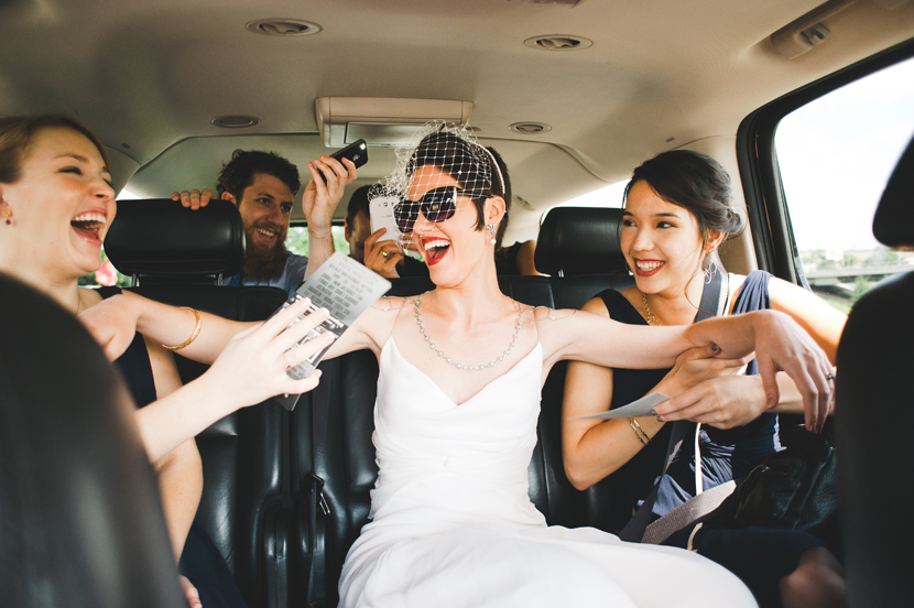 Cool bride rides in a limo to wedding // Elissa R Photography