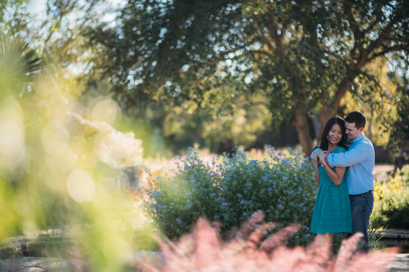 engagement pictures at austin wildflower center
