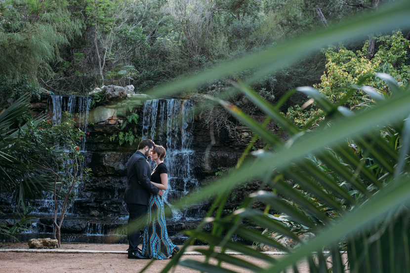 botanical garden engagement pictures