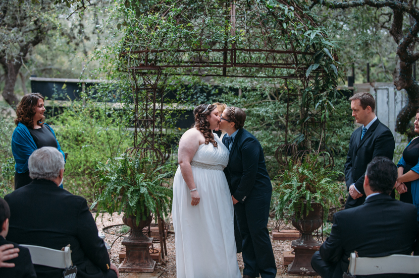 cold outdoor ceremony in texas