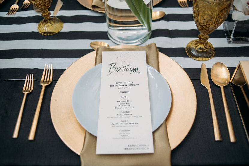 gold plate wedding place settings