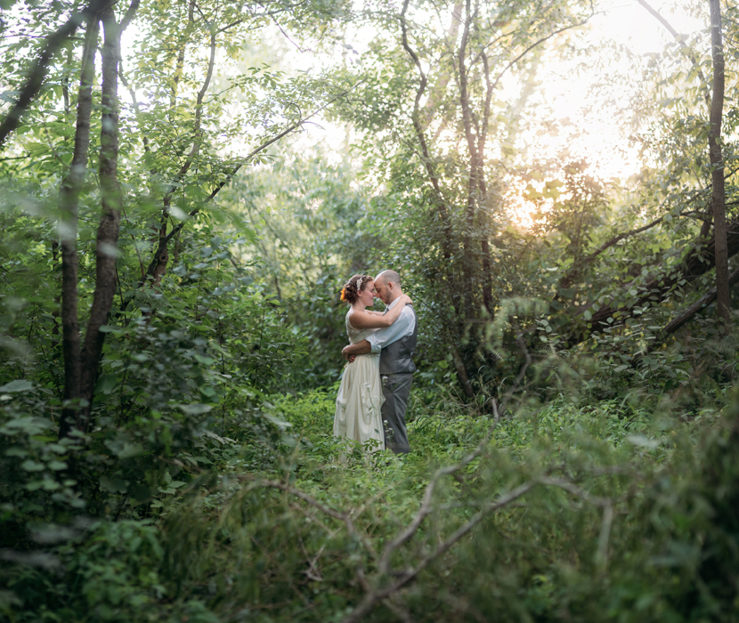 couples marrying in wilderness