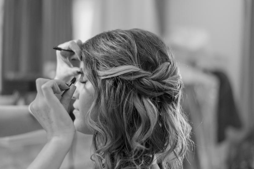 bridal getting ready at hotel ella