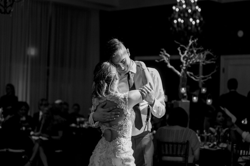 austin wedding photographer first dance