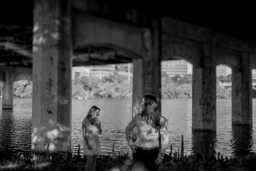 lady bird lake engagement pictures