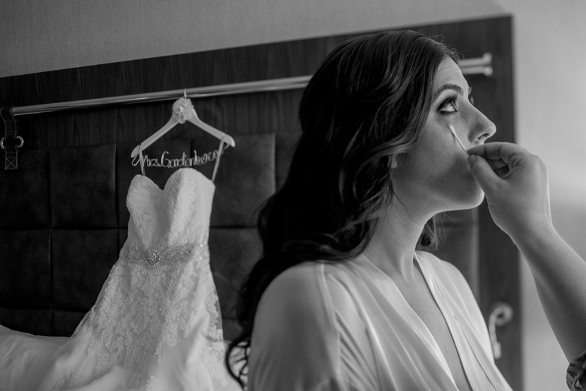 beautiful getting ready photos for wedding