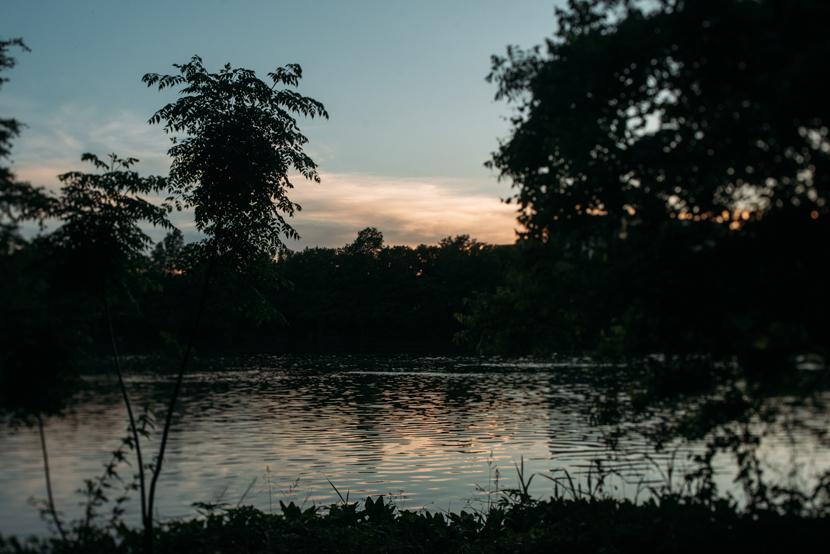 lady bird lake engagement pics