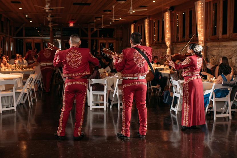 mariachis at weddings