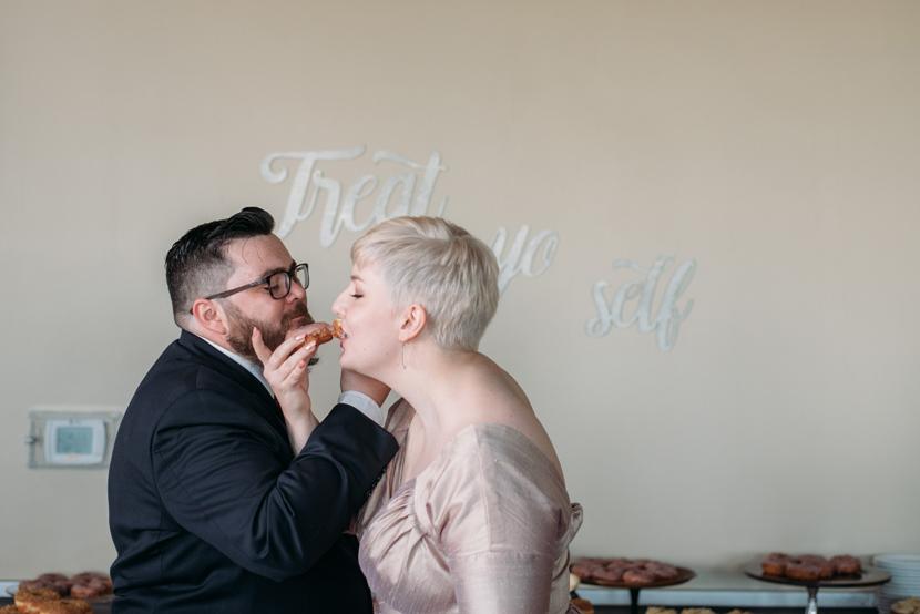 treat yo self wedding cake