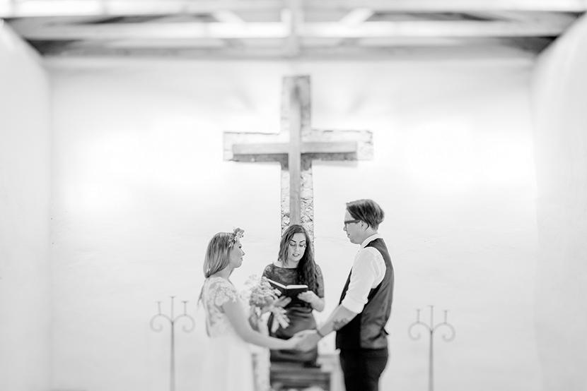 destination elopement photographer