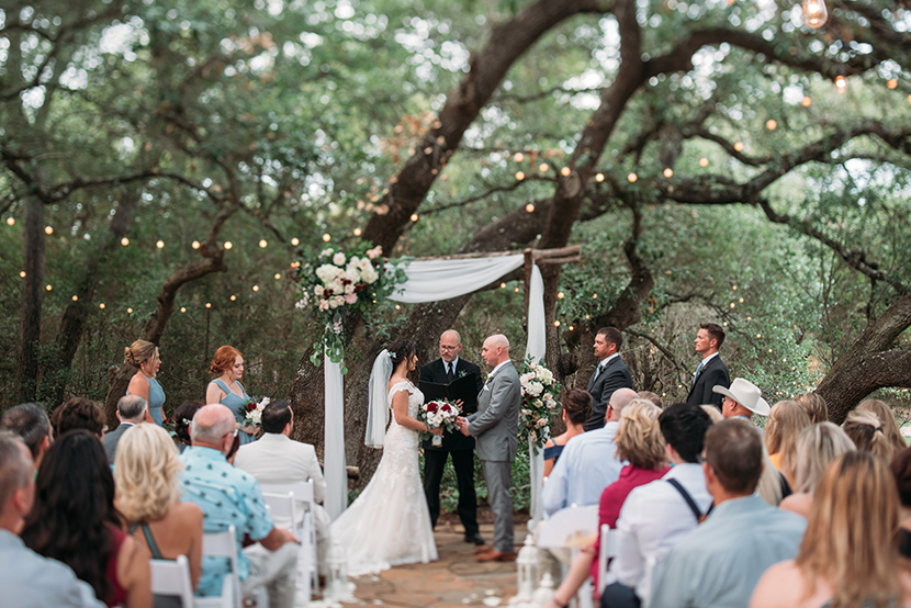 Driftwood Texas wedding photographer