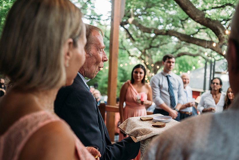 lithuanian wedding tradition with bread